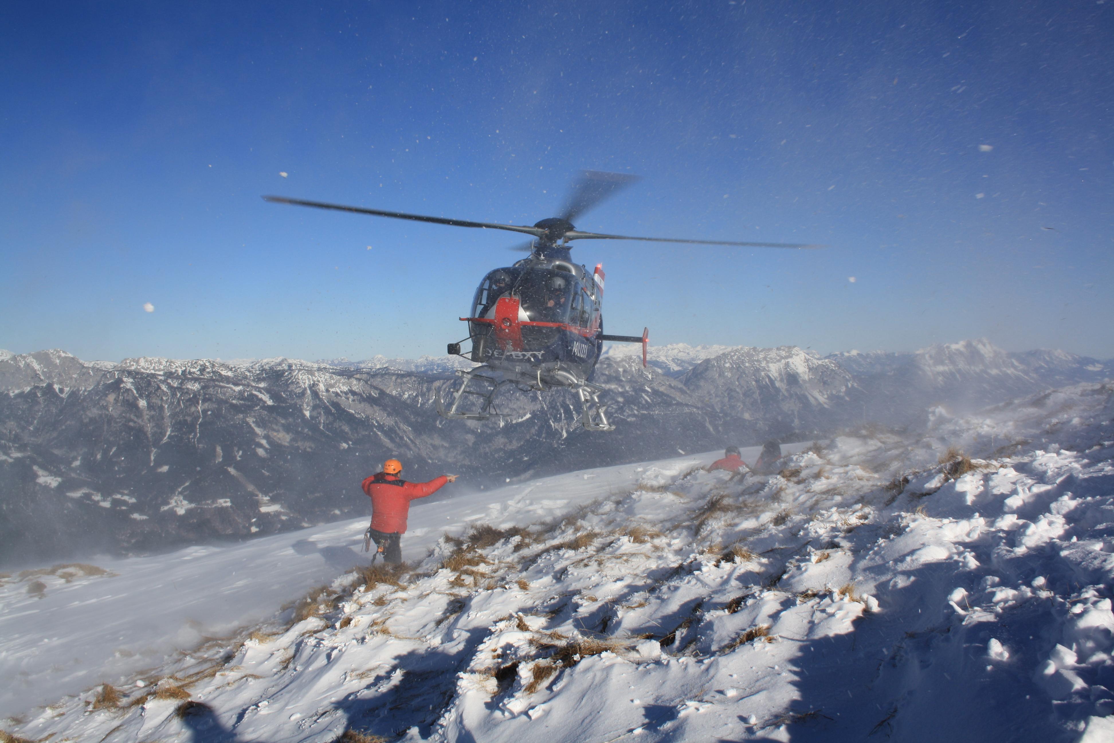 WetterZOOM - Mit dem Hubschrauber zur Arbeit? Alles über die Welt der Lawinenwarner