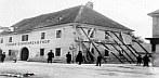 Schwadorf am Samstag, den 8. Oktober 1927, um 20:49 Uhr  (Io = 8°). © ZAMG Geophysik
