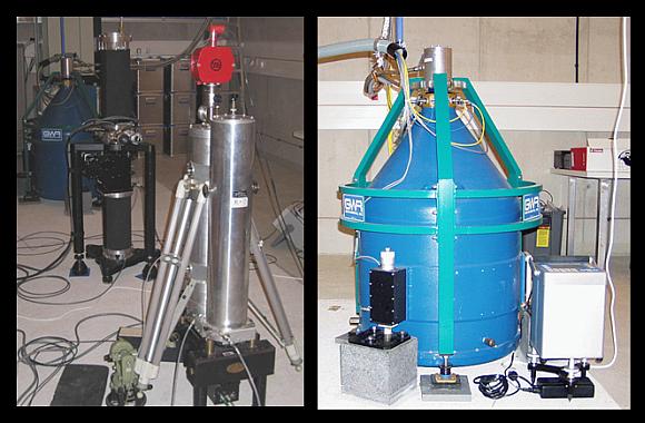 Experiment (links) zur Kalibrierung des Supraleitenden Gravimeters (rechts) im Conrad Observatorium. © ZAMG Geophysik