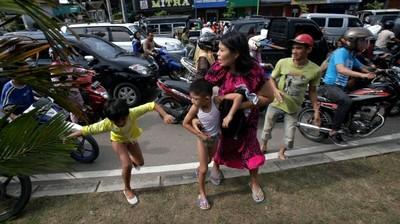 Flucht auf höher gelegene Gebiete der Stadt (Bildquelle: http://bit.ly/IjQq3P)