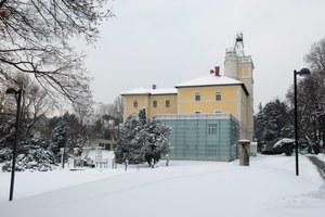 ZAMG Wien Hohe Warte: Hann-Haus und Messgarten im Winter