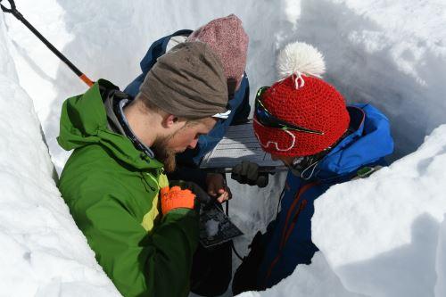 Überdurchschnittlich viel Schnee auf den Gletschern, aber für Massenbilanz ist Sommer entscheidend
