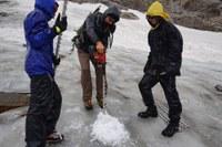 Wärmeres Klima: Gletscher schmelzen, Gefahr von Steinschlag steigt