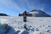 Wenig Winterschnee auf den Gletschern Grönlands: große Massenverluste im Sommer erwartet