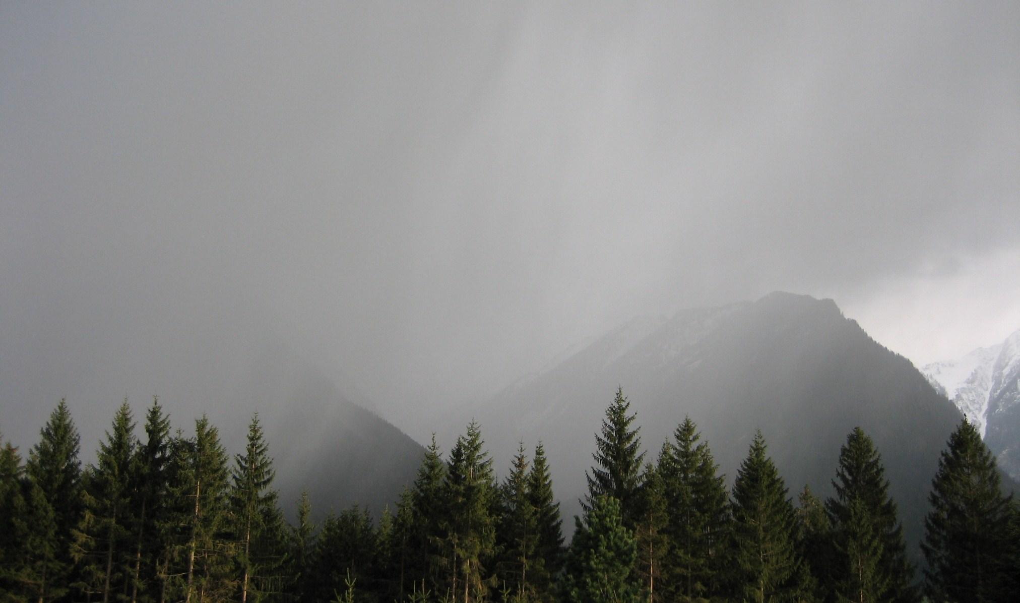 Sturm, Starkregen und Schnee